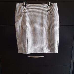 🌺3/$20🌺Banana Republic Narrow Skirt